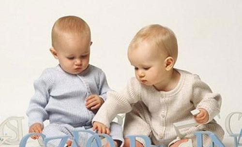 双胞胎宝宝怎么起名